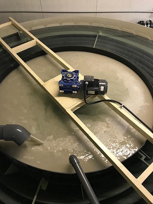 Folyamatos üzemű lemezes ülepítő